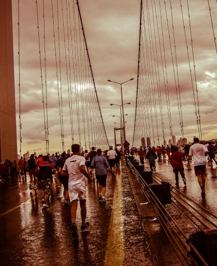 Istanbul Marathon 2009 - Crossing the bridge