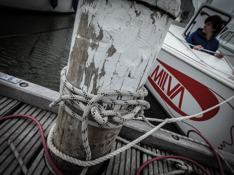 Mooring on dolphins: the desparated sailors knot