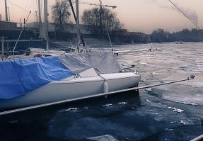 VA18 im Eis