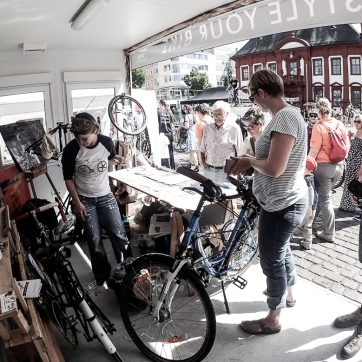 felgenLYRIK im Pimp 'n Style your Bike Container beim MONNEM BIKE Festival